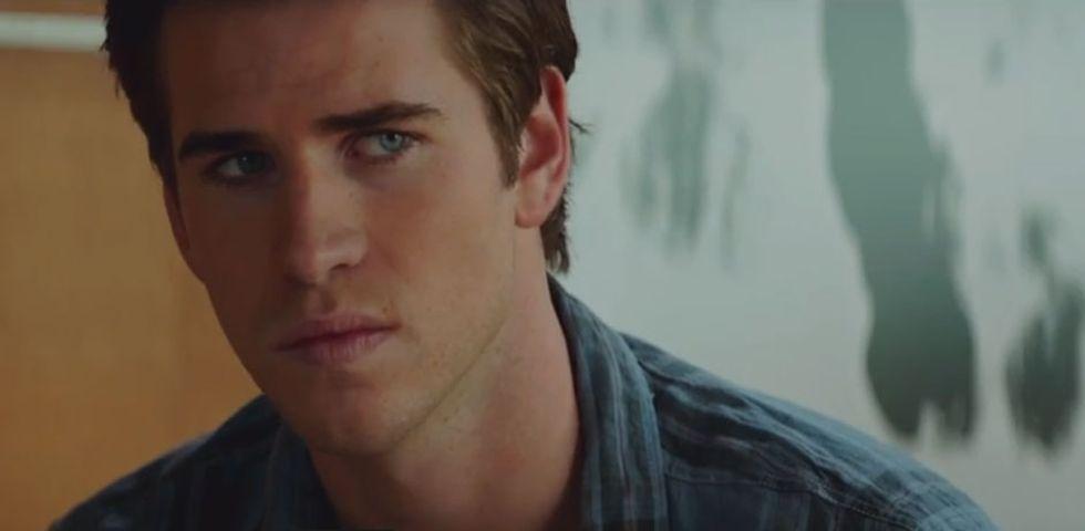 Il potere dei soldi, lo spy thriller con Liam Hemsworth - Trailer