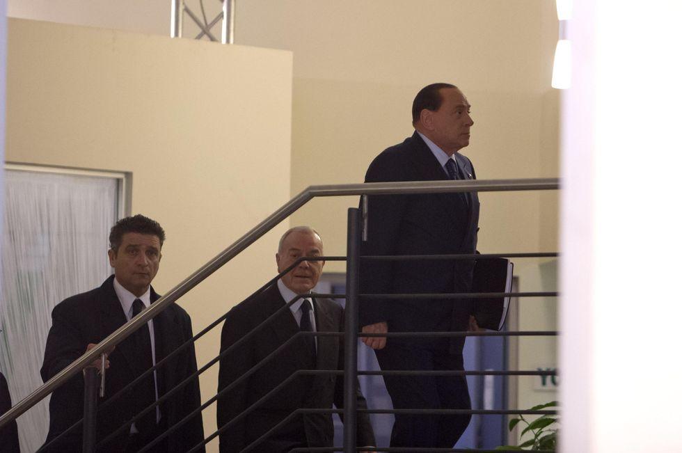 Accordo Renzi-Berlusconi, il Pd si spacca sul Web