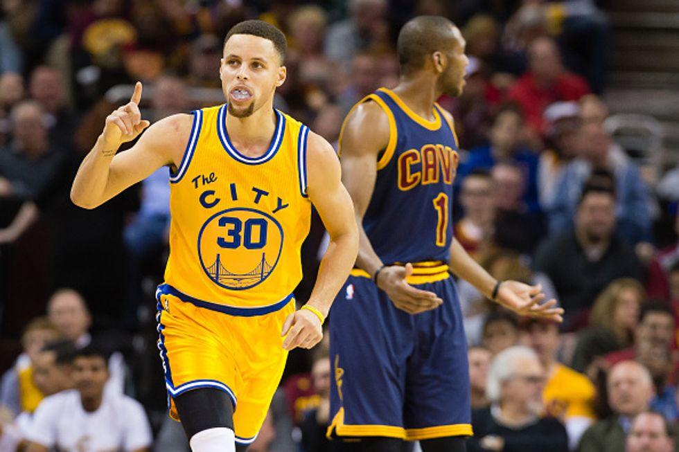 Nba: è di Steph Curry la maglia più venduta