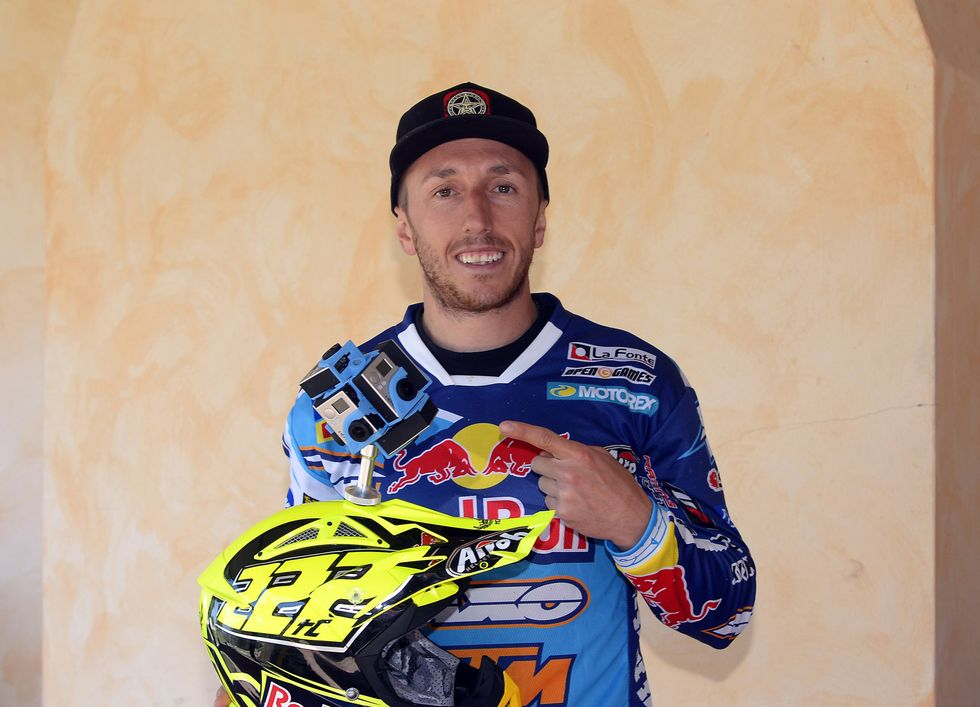 """""""Un giro"""" in motocross, con Tony Cairoli"""