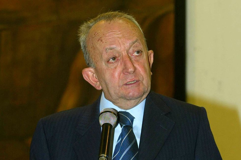 """Tullio De Mauro: """"La scuola di Renzi è un passo nel vuoto"""""""