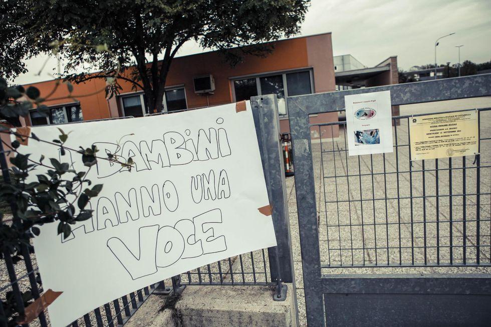 """Bimbo di Padova: """"Manganelli chieda scusa ai poliziotti"""""""