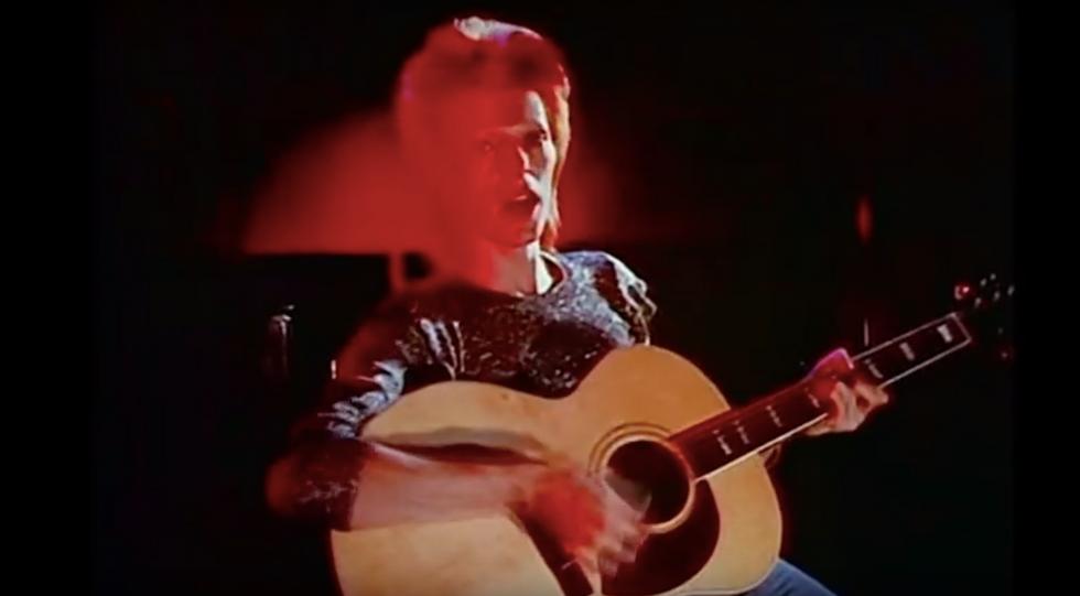 David Bowie, Space Oddity: il folle viaggio di Major Tom nello spazio