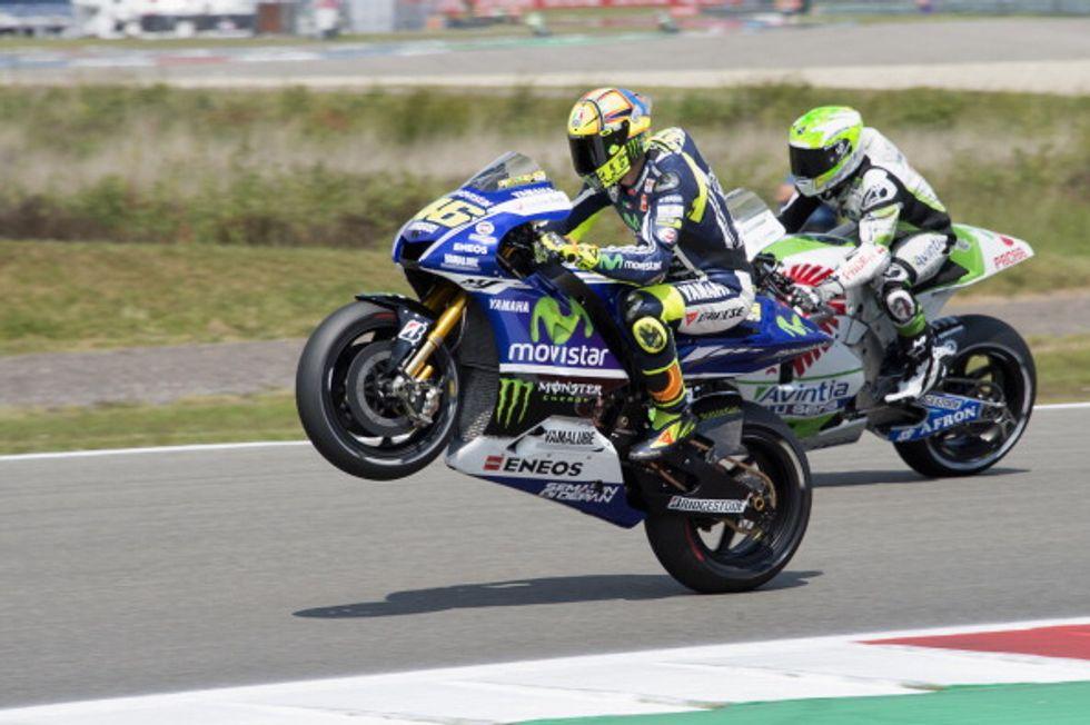 Valentino Rossi con la Yamaha fino al 2016