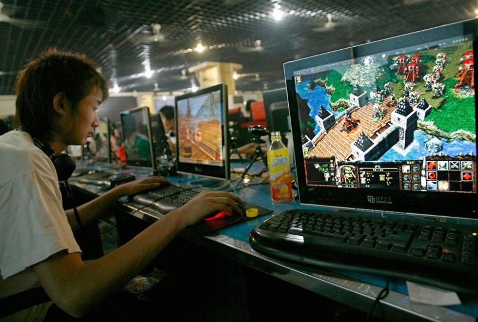 Uccide il figlio (virtuale) per salvarlo dai videogame
