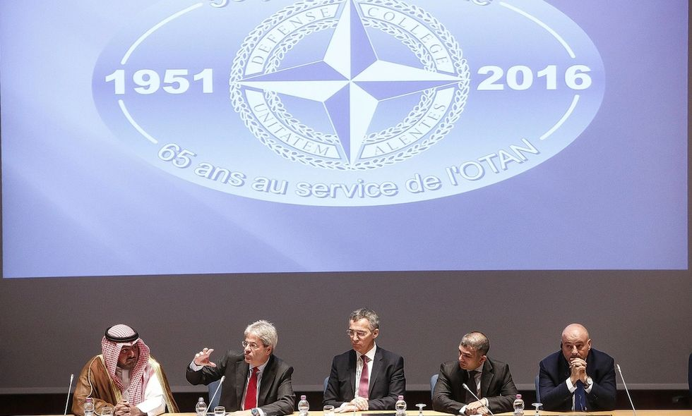 Gentiloni, 140 militari in Lettonia nei prossimi mesi