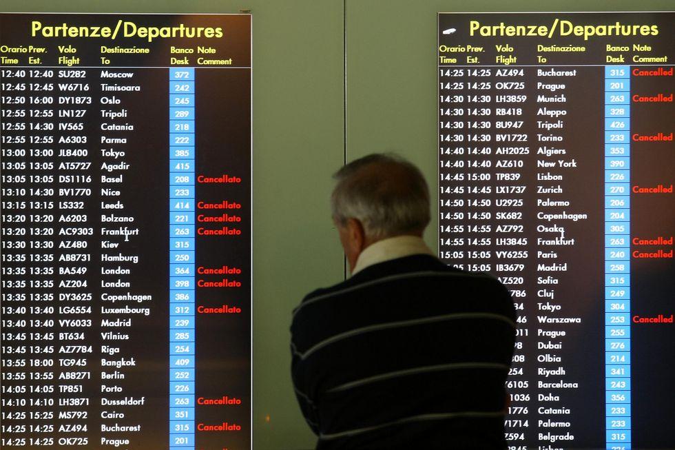 Alitalia-treni, le hostess scendono in stazione