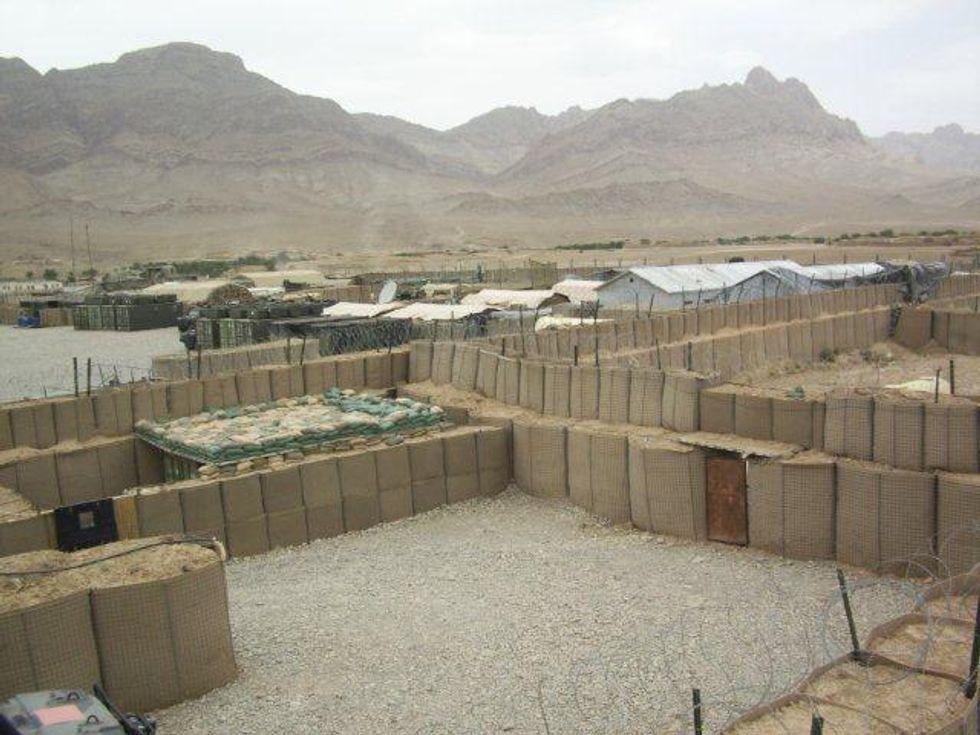 Afghanistan: Karzai vuole le basi Nato