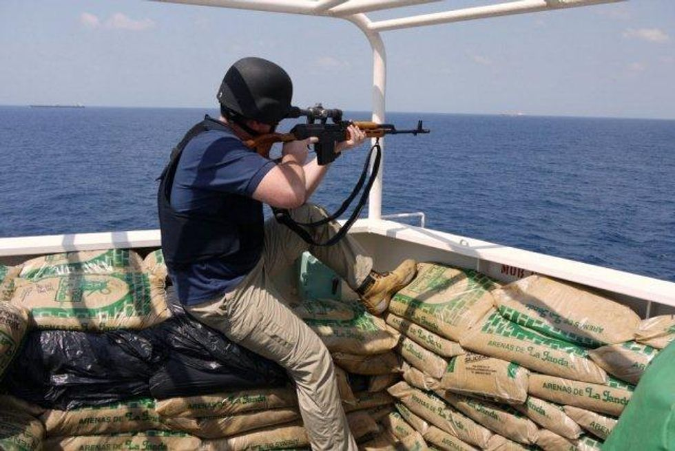 Guardie e militari stoppano i pirati