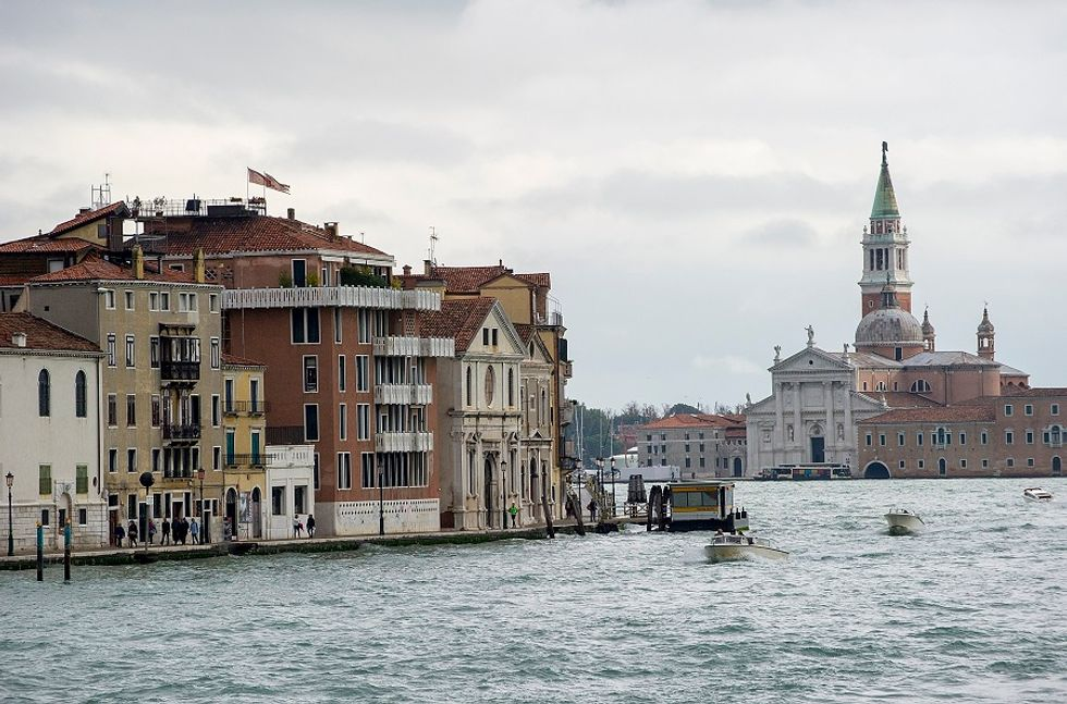 Giant cruise ships banned from Venice