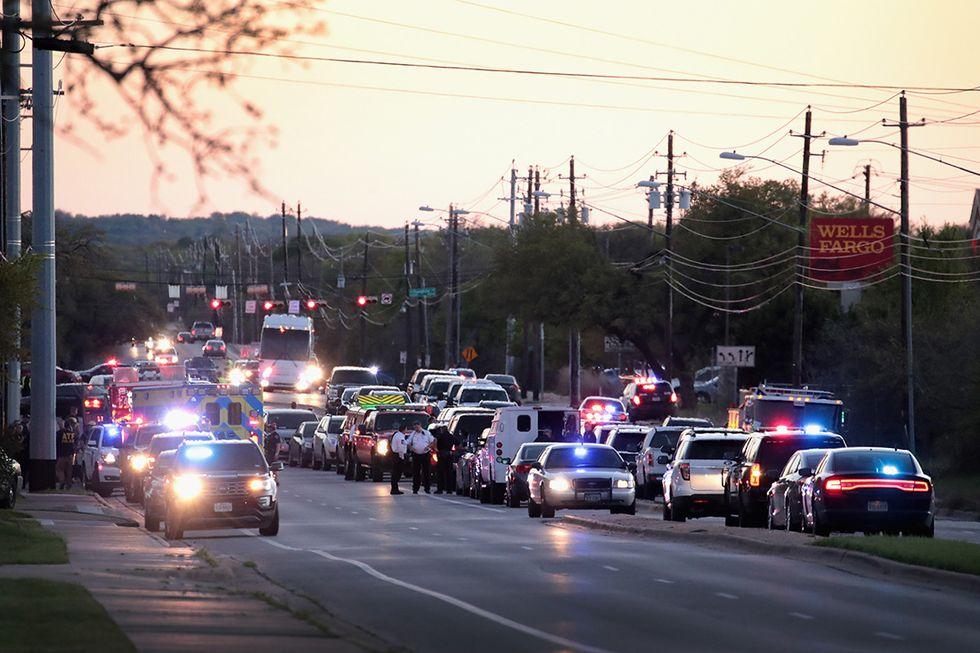 Vicino a Goodwill in Texas il principale sospettato delle bombe di Austin si è fatto esplodere a bordo della sua auto